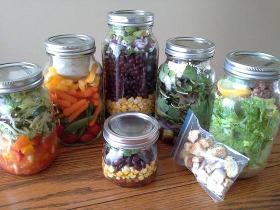 Mason Jar Meals from Simply Helpful